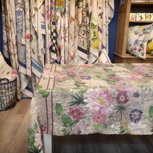 La Vie En Rose Throw/Tablecloth - 100% Linen Made in Italy
