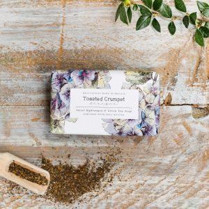 Sweet Hydrangea & Green Tea by Toasted Crumpet