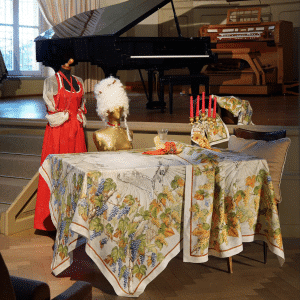 Violetta Tablecloth